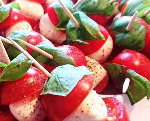 Tomate-Mozzarella-Spieße - Dein Rezept auf Rezept-Buch.de
