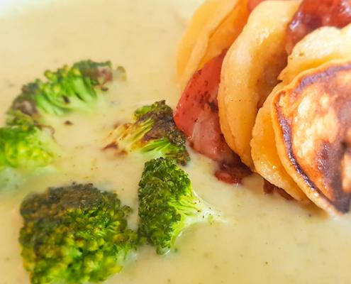 Brokkoli-Suppe mit Pancakes - Dein Rezept auf Rezept-Buch.de