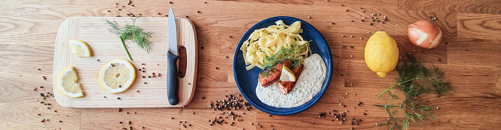 Lachsfilet mit Zitronen-Dillsauce - Dein Rezept auf Rezept-Buch.de