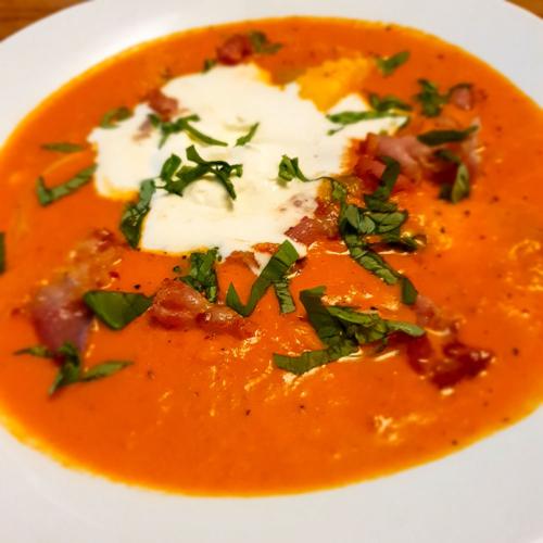 Ravioli-Tomatensuppe mit Bacon - Dein Rezept auf Rezept-Buch.de